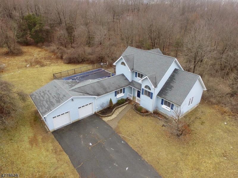 Частный односемейный дом для того Продажа на 233 Willows Road Fredon, Нью-Джерси 07860 Соединенные Штаты