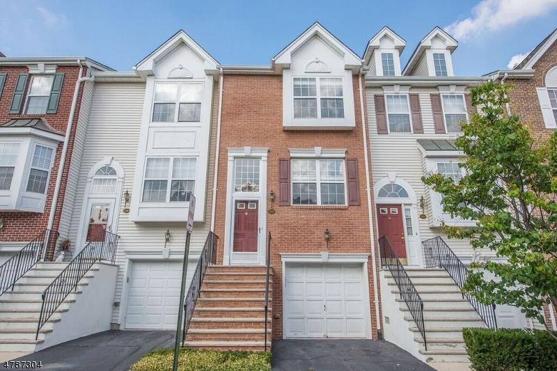Casa Unifamiliar por un Alquiler en 209 Swathmore Drive Nutley, Nueva Jersey 07110 Estados Unidos
