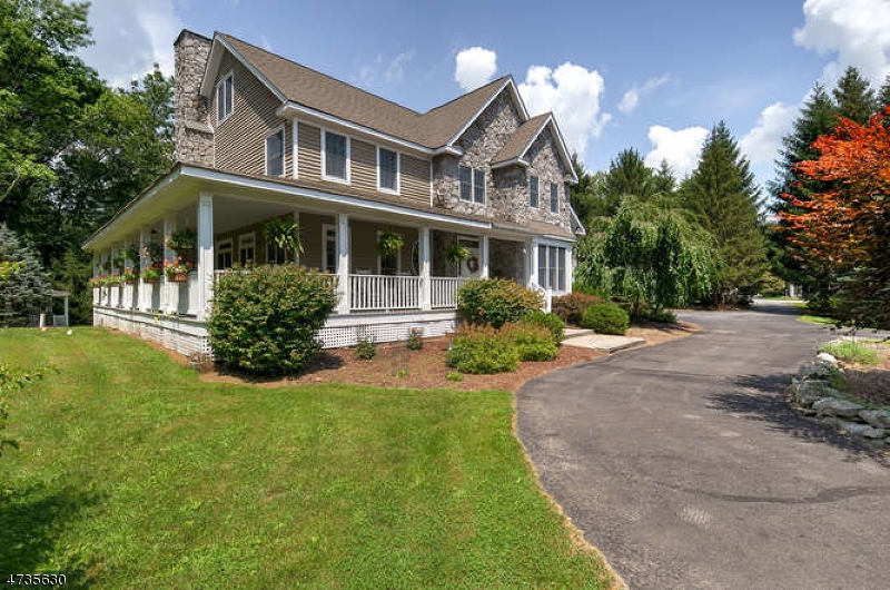 Частный односемейный дом для того Продажа на 52 RIDGE Road Frankford Township, Нью-Джерси 07826 Соединенные Штаты