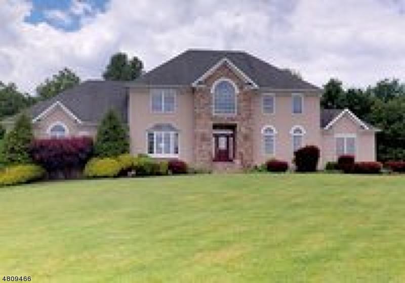 Maison unifamiliale pour l Vente à 9 DAGMAR DALE Drive Vernon, New Jersey 07461 États-Unis