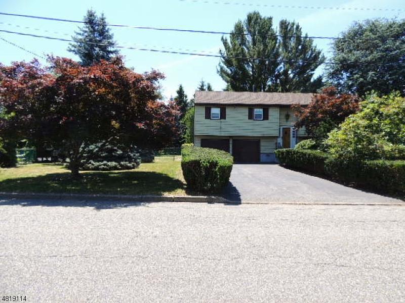 Частный односемейный дом для того Продажа на 58 RANDOLPH Street Lincoln Park, Нью-Джерси 07035 Соединенные Штаты