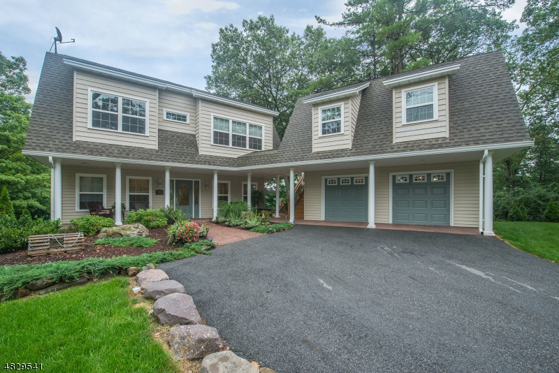 独户住宅 为 销售 在 499 Lakeshore Drive 西米尔福德, 新泽西州 07421 美国