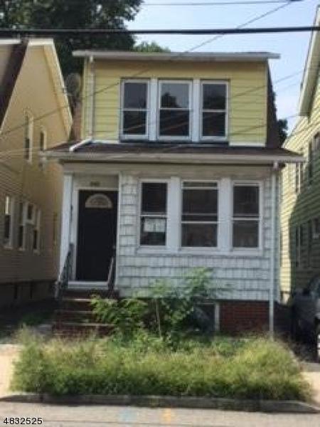Maison unifamiliale pour l Vente à 540 CHESTNUT Street Orange, New Jersey 07050 États-Unis