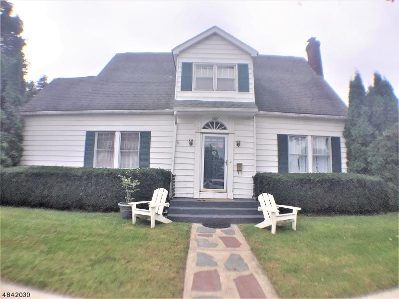 Maison unifamiliale pour l Vente à 502 MADISON Street Hackettstown, New Jersey 07840 États-Unis