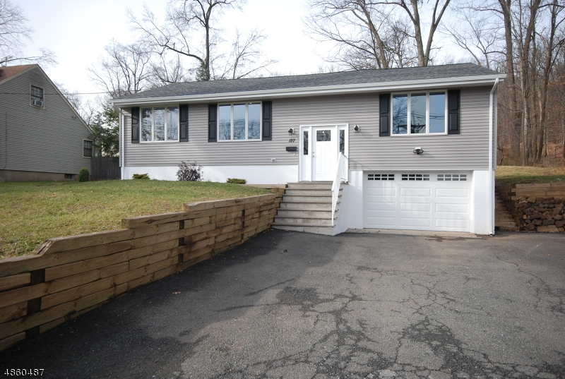 Single Family Home for Sale at 127 JENNINGS Lane North Plainfield, New Jersey 07060 United States