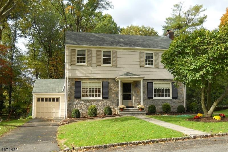 Maison unifamiliale pour l à louer à 11 DUNNDER Drive Summit, New Jersey 07901 États-Unis