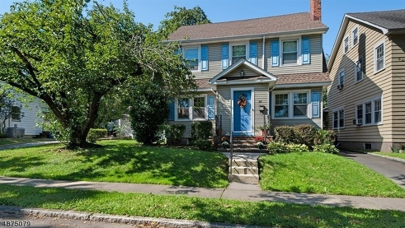 Single Family Home for Sale at 17 LOWELL TER Bloomfield, New Jersey 07003 United States