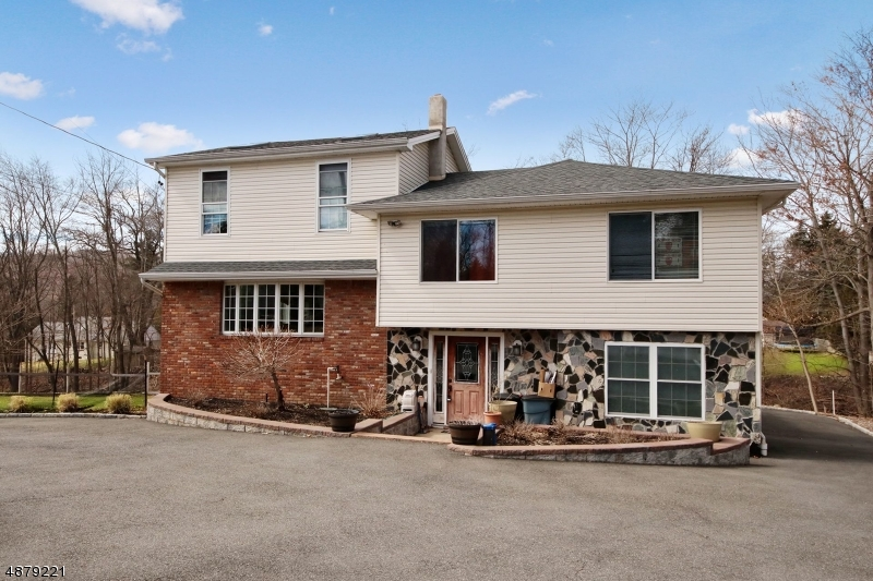 Single Family Home for Sale at 467 SQUAW BROOK Road North Haledon, New Jersey 07508 United States