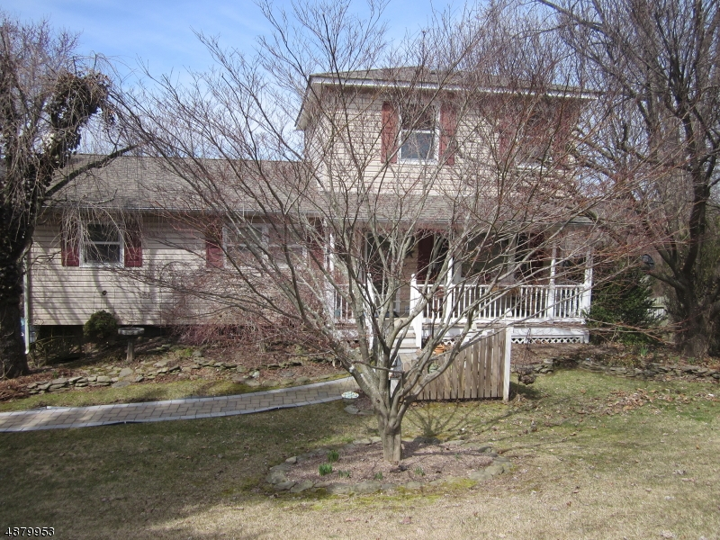 Single Family Home for Sale at Ogdensburg, New Jersey 07439 United States