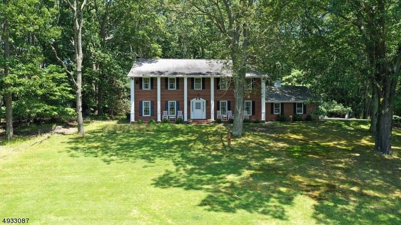 Single Family Homes pour l Vente à Springfield, New Jersey 08022 États-Unis