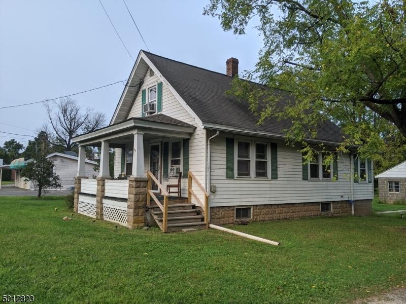 Multi-Family Homes pour l Vente à Raritan Township, New Jersey 08822 États-Unis
