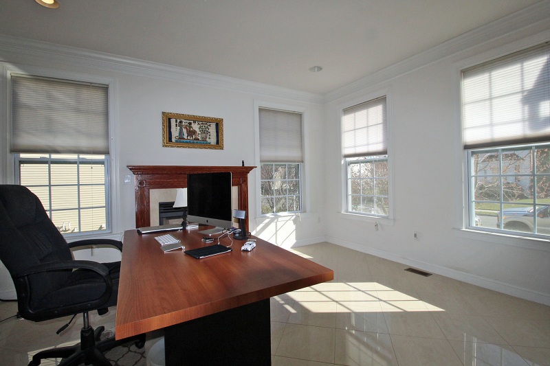 Additional photo for property listing at 45 Crestview Drive  Clinton, Nueva Jersey 08809 Estados Unidos