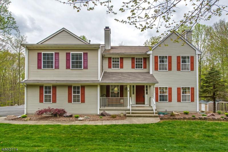 独户住宅 为 销售 在 245 Old Beach Glen Road Rockaway, 07866 美国