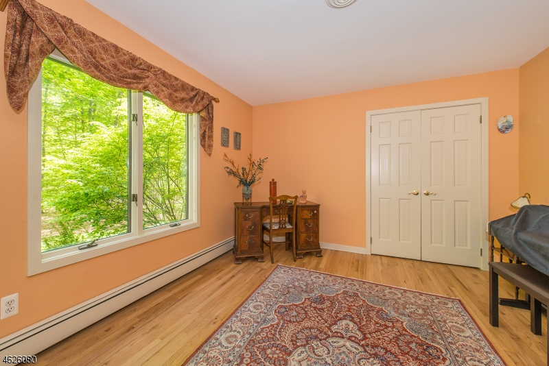 Additional photo for property listing at 99 Bridle Path Lane  Mahwah, New Jersey 07430 United States