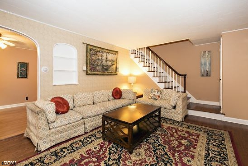 Additional photo for property listing at 224 Greene Avenue  Middlesex, New Jersey 08846 United States