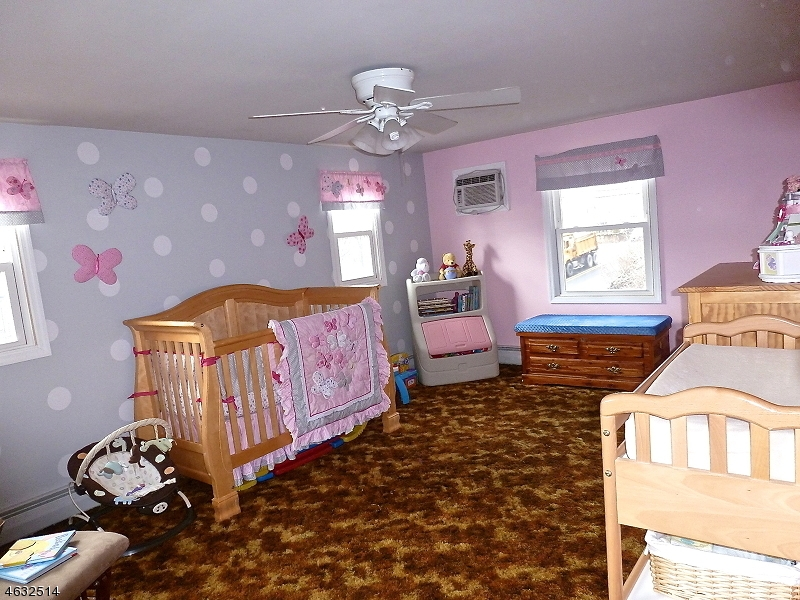 Additional photo for property listing at 285 Macopin Road  Bloomingdale, New Jersey 07403 États-Unis