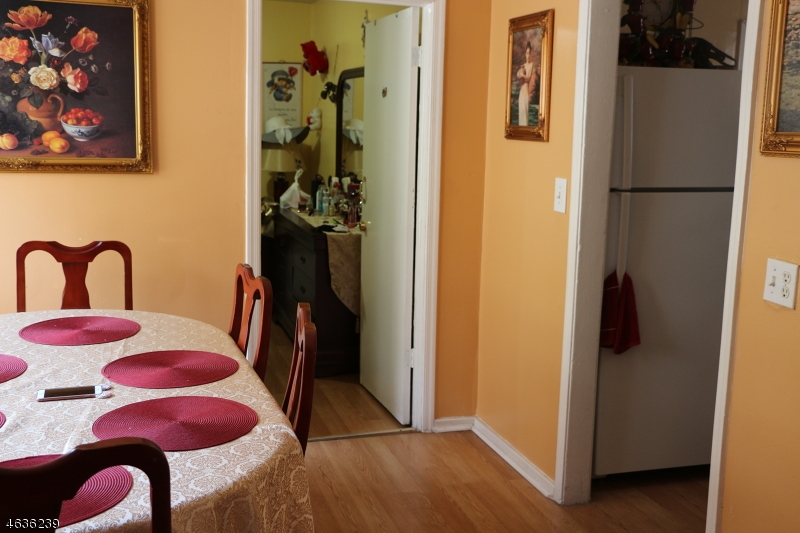 Additional photo for property listing at 16 Beech Street  Passaic, New Jersey 07055 États-Unis
