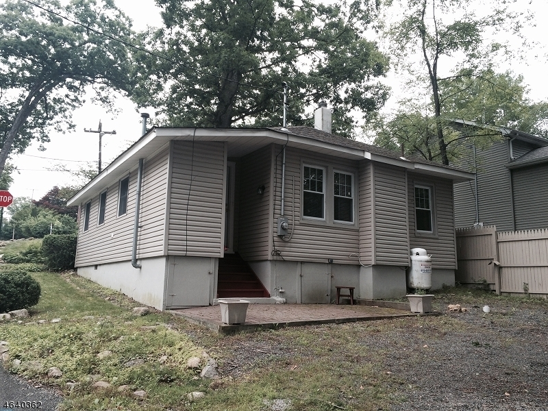 Additional photo for property listing at 68 Schwarz Blvd  Lake Hopatcong, 新泽西州 07849 美国