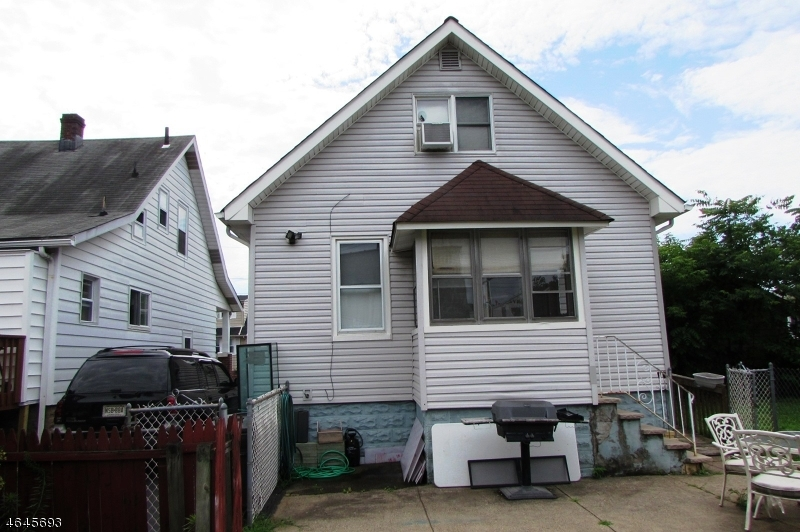 Additional photo for property listing at 31 Elizabeth Place  Totowa Boro, Нью-Джерси 07512 Соединенные Штаты