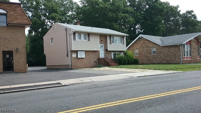Comercial por un Venta en Address Not Available Dunellen, Nueva Jersey 08812 Estados Unidos