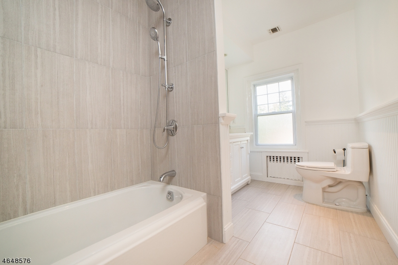 Additional photo for property listing at 19 Hathaway Lane  Essex Fells, Nueva Jersey 07021 Estados Unidos