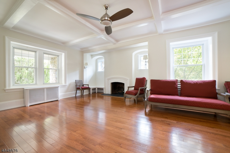 Additional photo for property listing at 19 Hathaway Lane  Essex Fells, New Jersey 07021 États-Unis