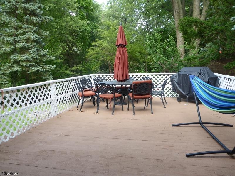 Additional photo for property listing at 413 Walnut Avenue  Cranford, Нью-Джерси 07016 Соединенные Штаты