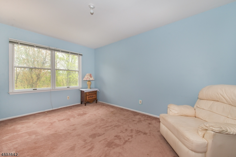 Additional photo for property listing at 128 McKinley Place  Rockaway, Nueva Jersey 07866 Estados Unidos