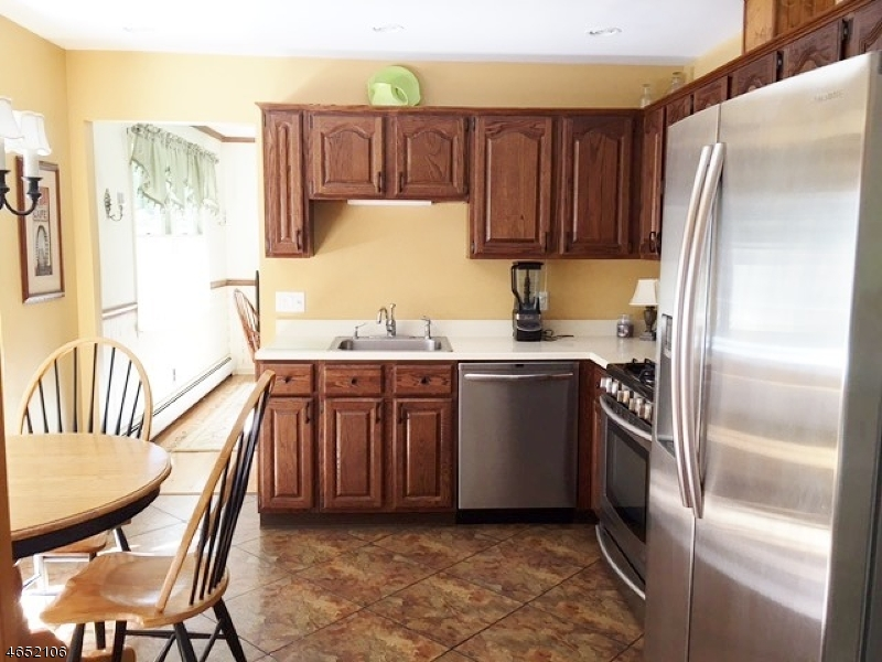 Additional photo for property listing at 172 Vreeland Road  West Milford, New Jersey 07480 United States