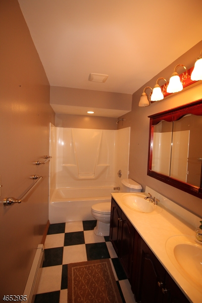 Additional photo for property listing at 28 Hillcrest Drive  Great Meadows, New Jersey 07838 États-Unis