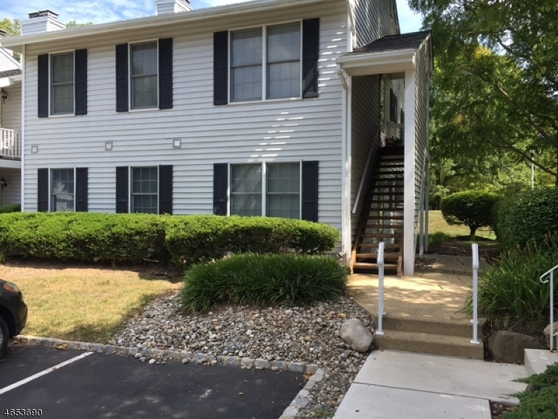 Частный односемейный дом для того Аренда на 333 Phoebe Court Three Bridges, 08887 Соединенные Штаты