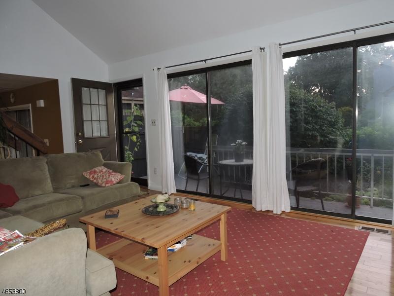 Additional photo for property listing at 299 Gemini Dr, 2A  Hillsborough, Nueva Jersey 08844 Estados Unidos