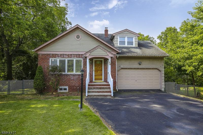 Частный односемейный дом для того Продажа на 29 Lincoln Road Springfield, Нью-Джерси 07081 Соединенные Штаты