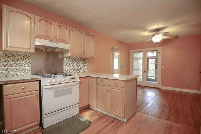 Additional photo for property listing at 29 Lincoln Road  Springfield, Нью-Джерси 07081 Соединенные Штаты