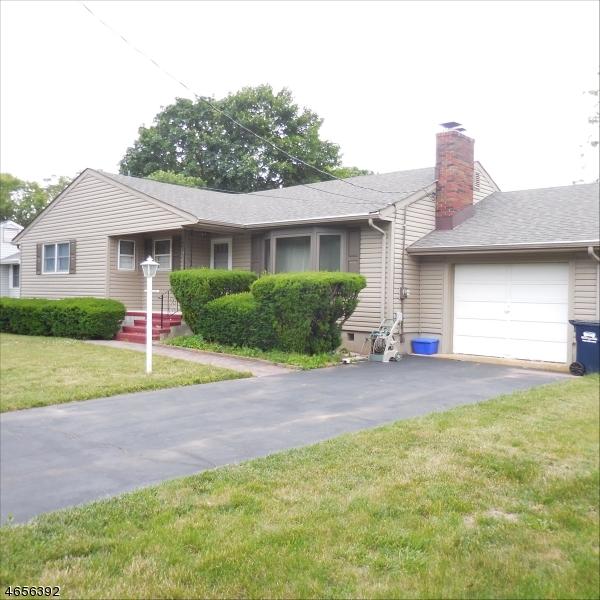 Maison unifamiliale pour l Vente à 708 Plainfield Avenue Piscataway, New Jersey 08854 États-Unis