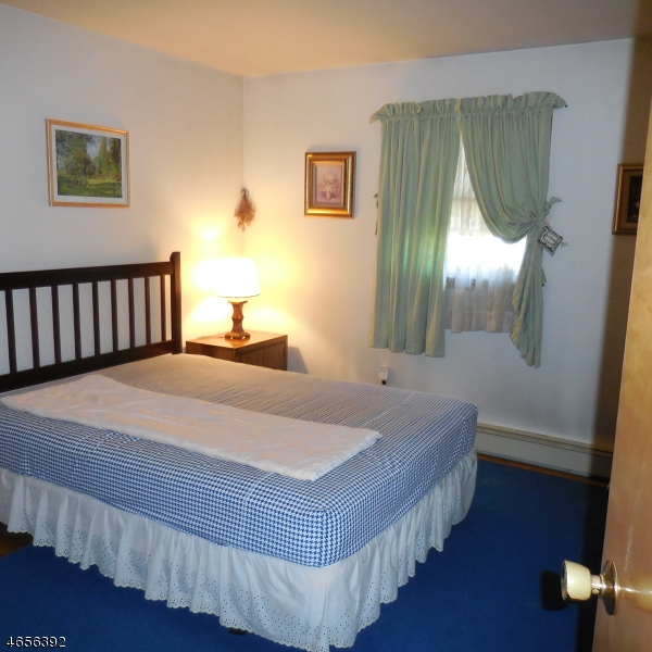 Additional photo for property listing at 708 Plainfield Avenue  Piscataway, New Jersey 08854 États-Unis