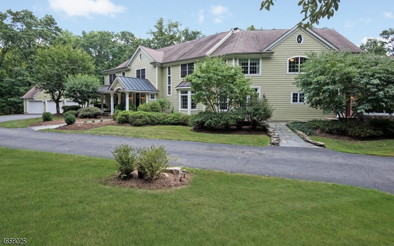 Maison unifamiliale pour l Vente à 78 N Four Bridges Road Washington, New Jersey 07853 États-Unis