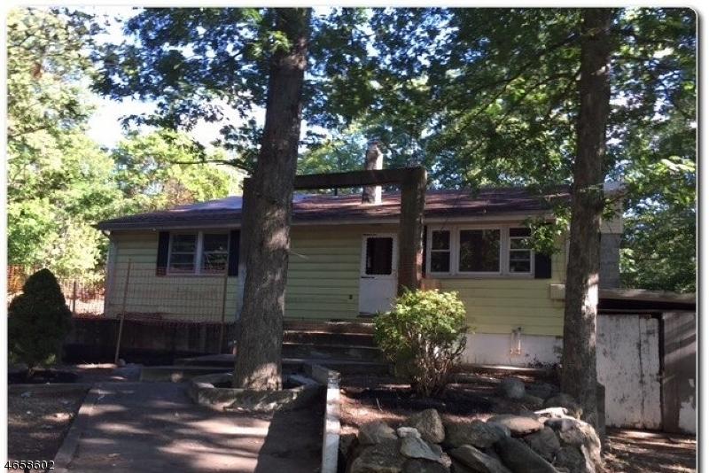 独户住宅 为 销售 在 185 Geiger Road 莫瓦, 新泽西州 07430 美国