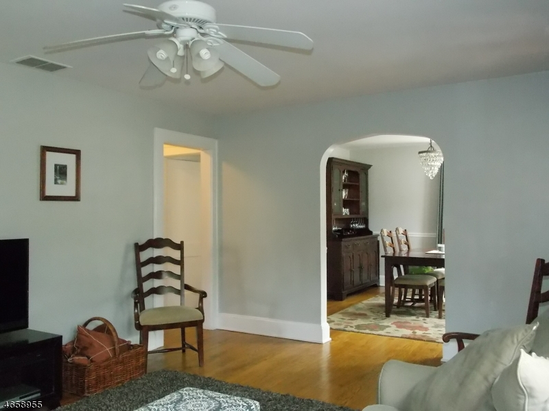 Additional photo for property listing at 136 Pearl Street  Bridgewater, Nueva Jersey 08807 Estados Unidos