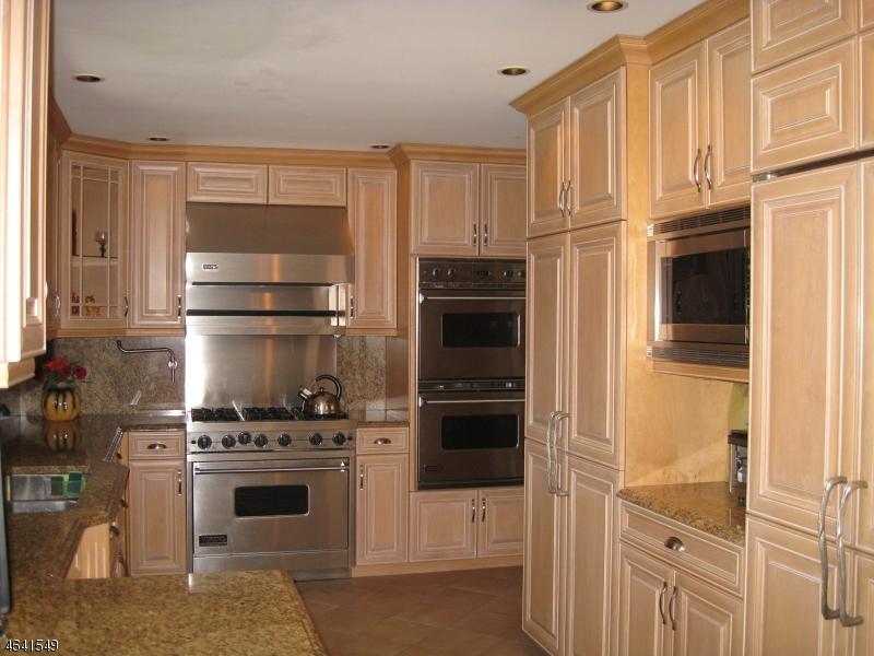 Частный односемейный дом для того Продажа на 5 Midvale Avenue Fairfield, 07004 Соединенные Штаты