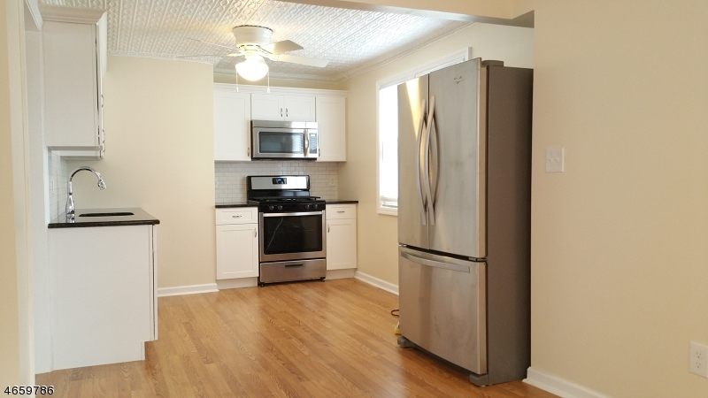 Additional photo for property listing at 18 Centre Street  Nutley, Нью-Джерси 07110 Соединенные Штаты