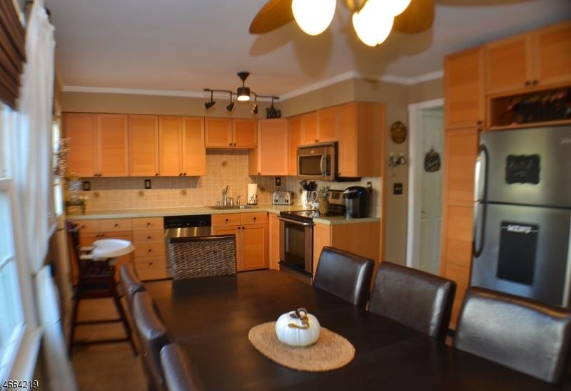 Additional photo for property listing at 610-B MARLBOROUGH COMMON  Hillsborough, New Jersey 08844 États-Unis