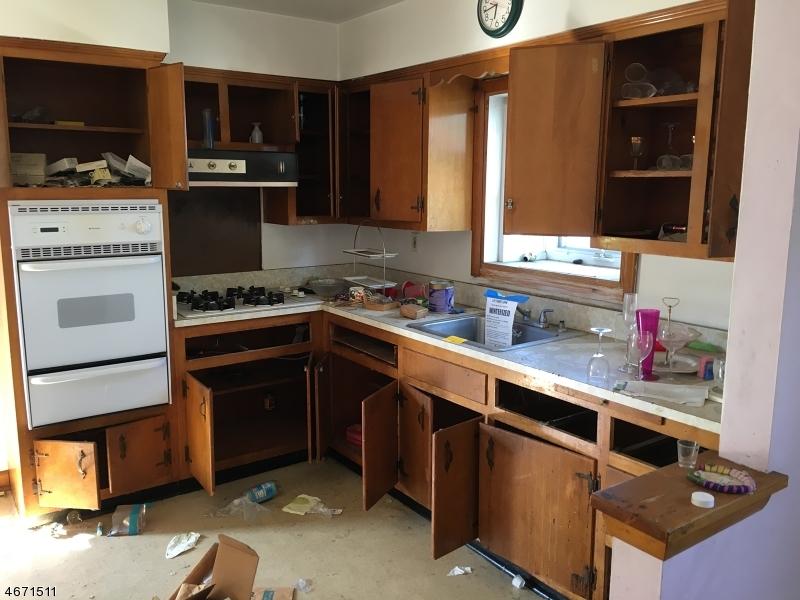 独户住宅 为 销售 在 139 12th Street Wood Ridge, 新泽西州 07075 美国