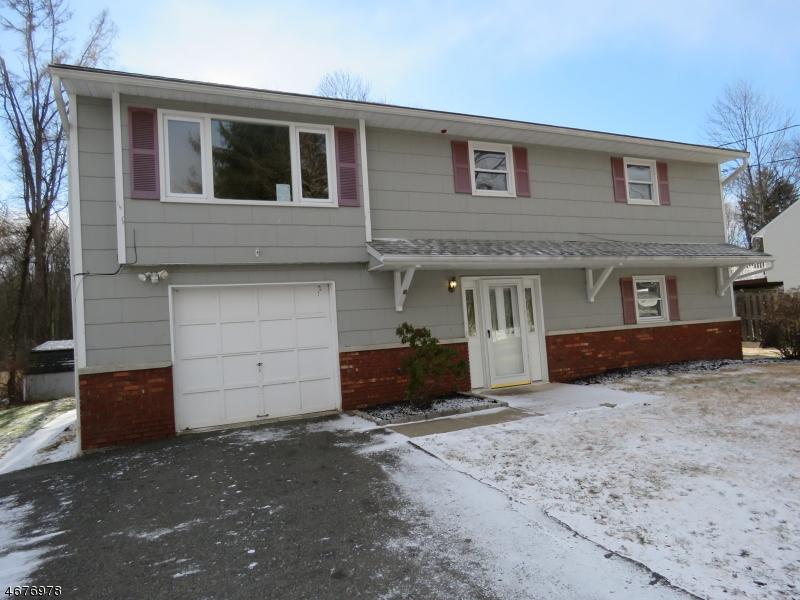 Maison unifamiliale pour l Vente à 13 Corwin Street Kenvil, New Jersey 07847 États-Unis