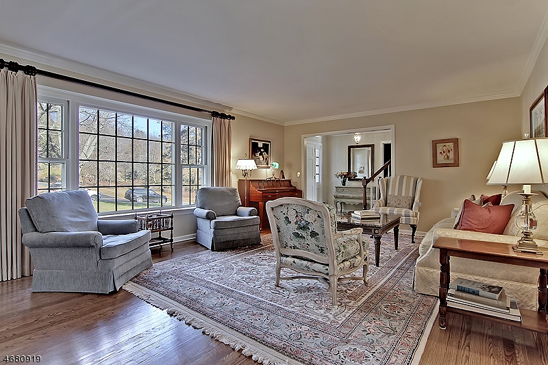 独户住宅 为 销售 在 2128 Primrose Lane Martinsville, 08836 美国