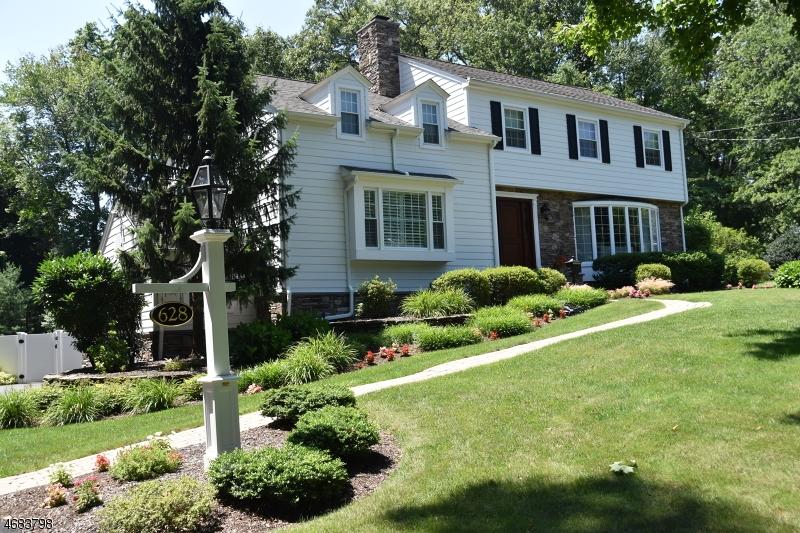 Частный односемейный дом для того Продажа на 628 Wishing Well Road Wyckoff, 07481 Соединенные Штаты