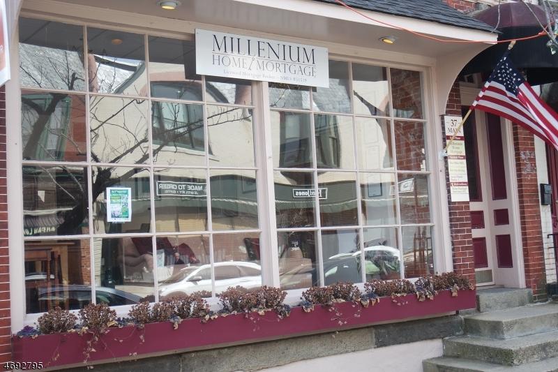 Kommersiell för Försäljning vid 37 Main Street Clinton, New Jersey 08809 Usa