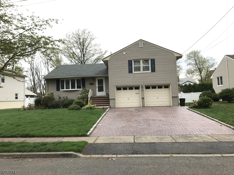 Maison unifamiliale pour l à louer à 40 Lockwood Place Clifton, New Jersey 07012 États-Unis