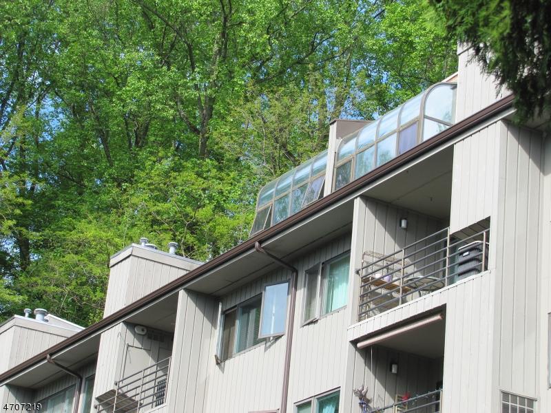 Частный односемейный дом для того Аренда на 61 Mt. Kemble Ave Unit 502 Morristown, Нью-Джерси 07960 Соединенные Штаты