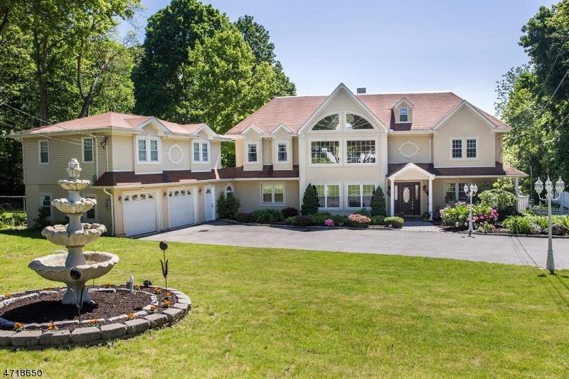 Частный односемейный дом для того Продажа на 54 White Rock Blvd Oak Ridge, Нью-Джерси 07438 Соединенные Штаты